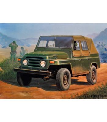 1:35 Китайски военен автомобил BJ212 Military Jeep