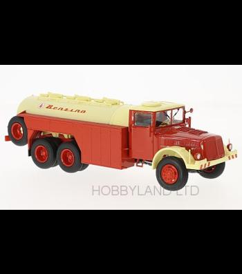Tatra 111 C, White & Red, Benzina Tank Truck