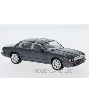 Jaguar XJ8 (X308), metallic dark gray, RHD, 1998
