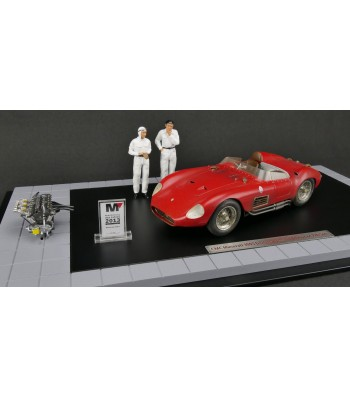 """Diorama Maserati 300S, 1956, """"Dirty Hero®"""" including motor, 2 figures, miniaturized model award and showcase Limited edition of 770 pieces"""