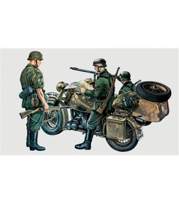 1:35 Германски мотоциклет с кош от Втората световна война с екипаж - BMW WITH SIDE CAR