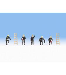 Пожарникари (черна защитна униформа)