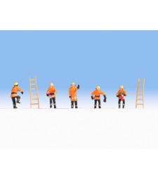 Пожарникари (оранжева защитна униформа)