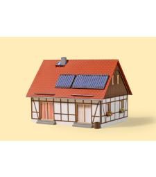 Самостоятелна къща H0 (120 x 97 x 90 mm)