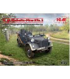 1:35 Немски лек автомобил за радиокомуникация Einheits-PKW, Втора световна война (le.gl.Einheitz-Pkw Kfz.2, WWII German Light Radio Communication Car)