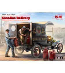 1:24 Доставка на бензин, модел T 1912 Кола за доставка с американски товарачи - 2 фигури