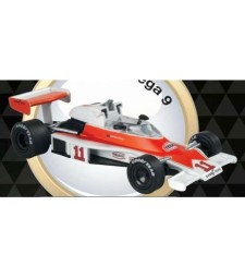 1976 McLaren M23 #11 Hunt, white/red