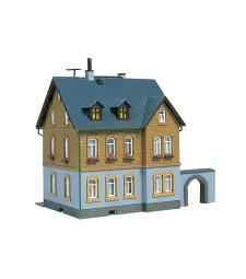 Company residence (90 x 87 x 115 mm)