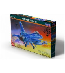 """1:72 Изтребител на САЩ F-16CJ-52+""""Jastrząb/Hawk"""""""