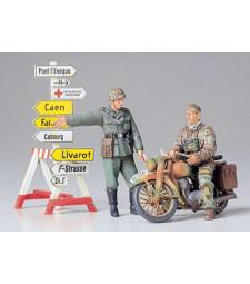 1:35 Германски дневален и мотоциклетист - 2 фигури