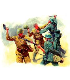1:35 Ръкопашен бой - източен фронт, 1941-1942 - 4 фигури (Eastern Front Series. Kit № 3. Hand-to-hand fight, 1941-1942  - 4 figures)