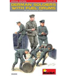 1:35 Германски войници с контейнери за гориво, специално издание - 6 фигури