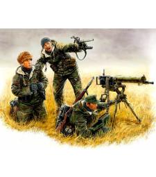 1:35 Германски картечари, източен фронт 1944 - 3 фигури (German machinegun crew, Eastern front, Kurland, 1944  - 3 figures)