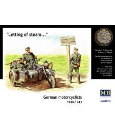 1:35 Германски мотоциклетисти - 3 фигури 1940-1943(German motorcyclists, 1940-1943  - 3 figures)