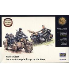 1:35 Kradschutzen: Немски мотоциклетни войски в движение - 3 фигури