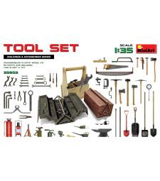 1:35 Tool Set