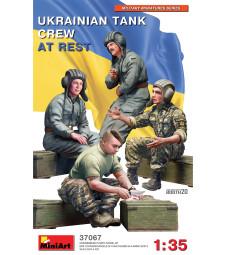 1:35 Ukrainian Tank Crew at Rest