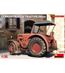 1:35 German Traffic Tractor D8532
