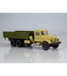 YAAZ-210 flatbed truck