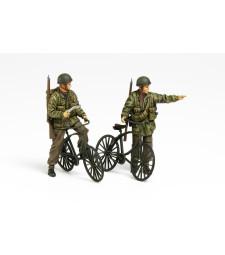 1:35 Британски парашутисти с велосипеди