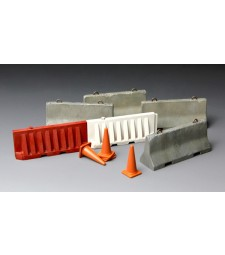 1:35 Циментови и пластмасови барикади (CONCRETE & Plastic BARRIER SET)