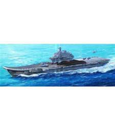"""1:350 Съветски самолетоносач """"Адмирал Кузнецов"""" (USSR Admiral Kuznetsov)"""