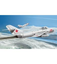 1:48 Руски изтребител МИГ-17 Фреско Е (MiG-17 PFU Fresco E)