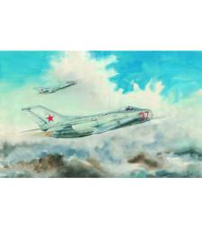 1:48 Съветски изтребител МИГ-19С Фармър-С (MiG-19S Farmer C)