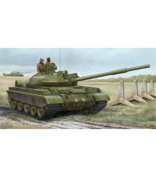 1:35 Руски танк Т-62, модел 1984 (мод. на 1962 ) (Russian T-62 BDD Mod.1984, Mod.1962 modification) - комплект с 3 фигури