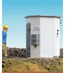 H0 Телефонна кутия край трасето