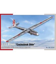 1:72 Чехословашки безмоторен самолет L-13 Blaník
