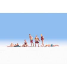 Плажуващи хора