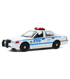Hot Pursuit - 2011 Ford Crown Victoria Police New York City Police Dept (NYPD)