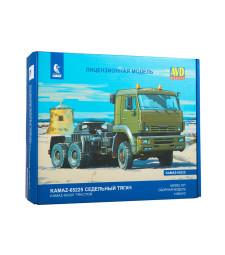 KAMAZ-65255 tractor truck - Die-cast Model Kit
