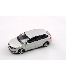 Skoda Rapid Spaceback (2013) - Brilliant Silver Metallic
