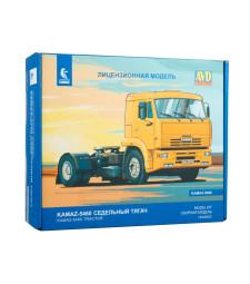 KAMAZ-5460 tractor truck - Die-cast Model Kit