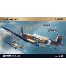 1:48 Британски изтребител Spitfire Mk.IIa
