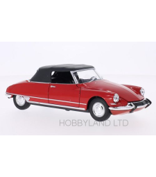 Citroen DS 19 Convertible, red, canopy closed