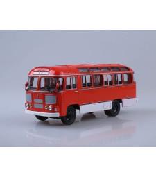 PAZ-672M Bus, Red