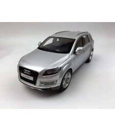 AUDI Q7 FACELIFT – ICE SILVER (09222IS)
