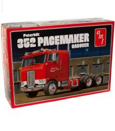 1:25 Камион влекач Coca-Cola Peterbilt 352 Pacemaker