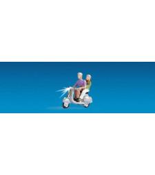 Моторист на скутер 3 - Светещи фигури