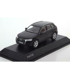 Audi Q5 - Myth Black