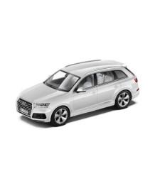 Audi Q7 - Glacier  White