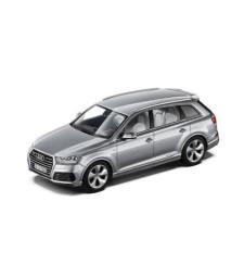 Audi Q7 - Floret Silver