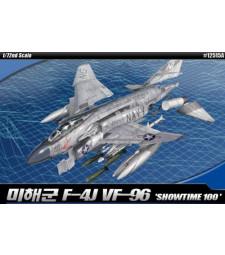 """1:72 Американски двуместен реактивен изтребител USN F-4J """"SHOWTIME 100""""  MCP"""