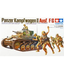 1:35 Германски лек танк Panzerkampfwagen II Ausf. F/G - 5 фигури
