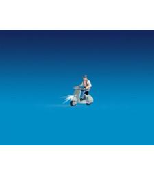 Моторист на скутер 2 - Светещи фигури