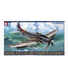 1:48 Американски щурмовик АД-6 A-1Х Скайрайдър (Douglas Skyraider AD-6 A-1H) - 1 фигура