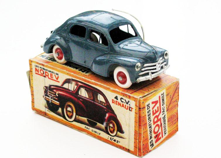 1:43 Renault 4CV (1955)